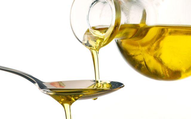 Mestecatul uleiului : obiceiul care iti poate transforma sanatatea
